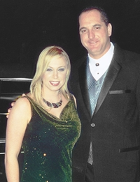 Tim Creehan and Tammy Cochran attend the Country Music Awards in Nashville - Biography